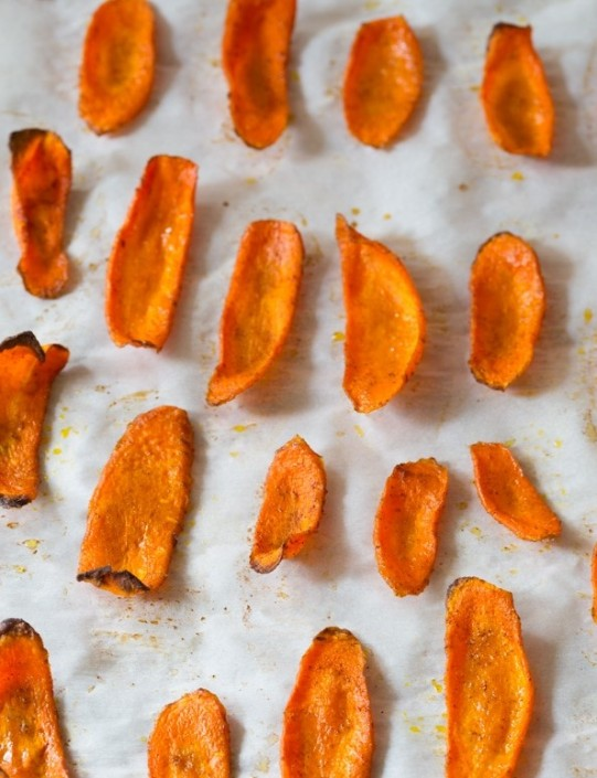 healthy-baked-carrot-chips-8