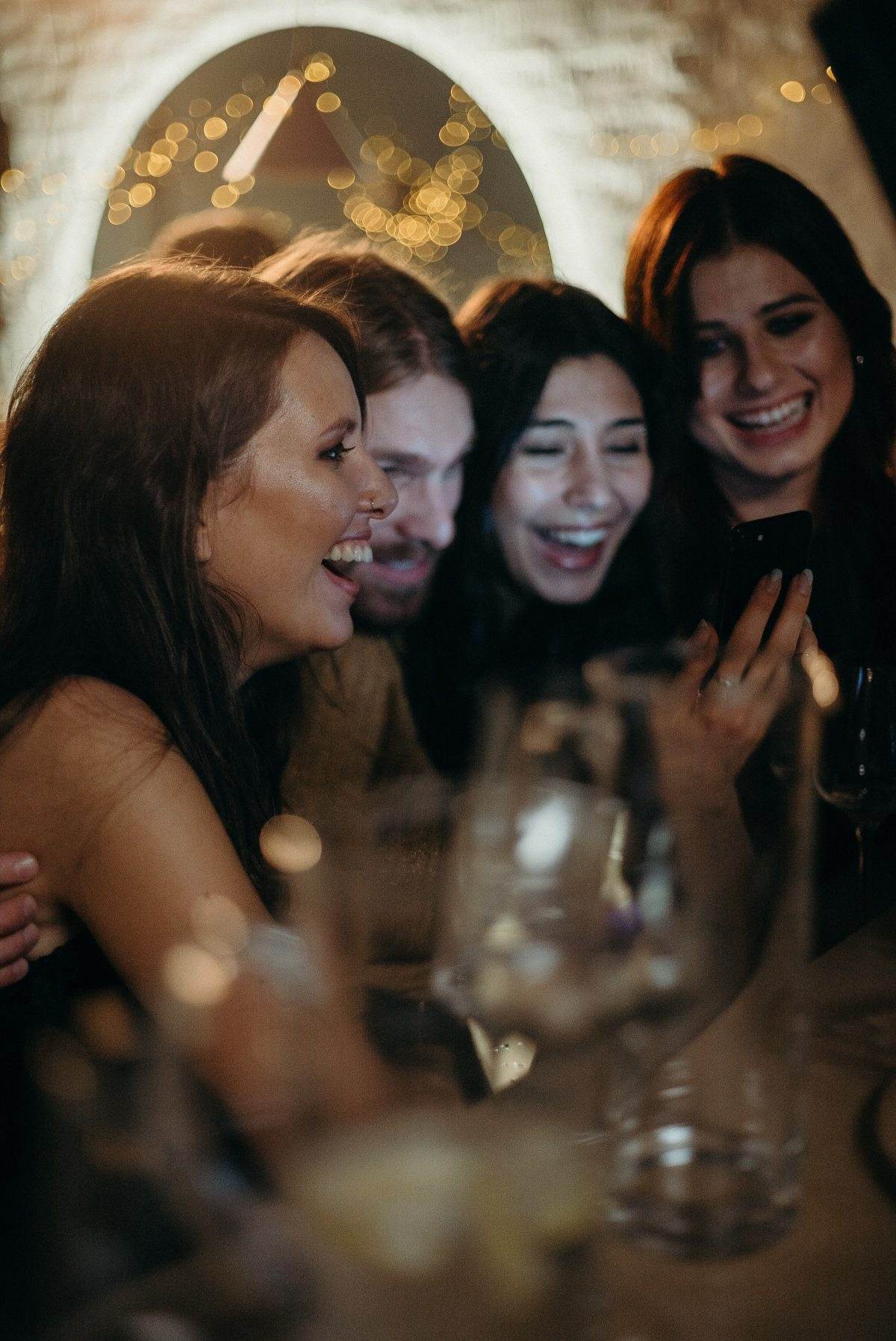 laughing-women-3171816.jpg